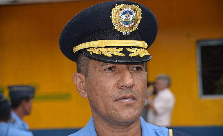 Comisario Rolando Ponce Canales.