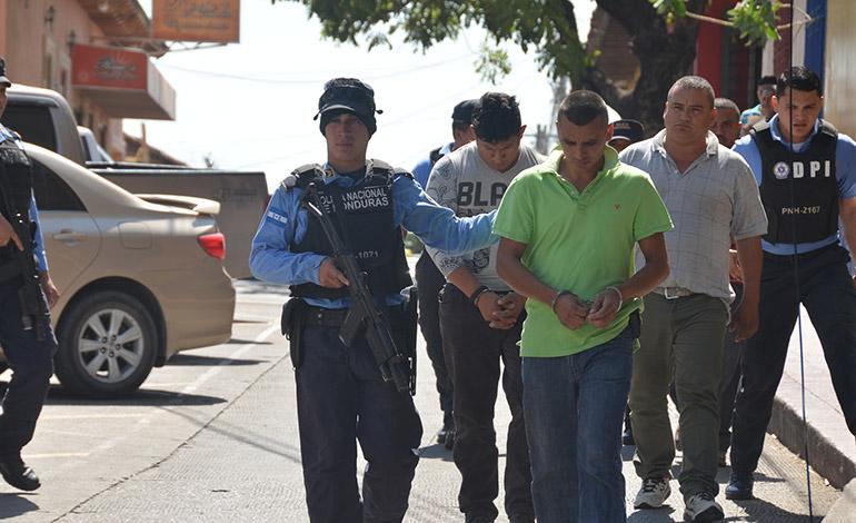 Los siete detenidos estarían siendo procesados ante un Tribunal con Jurisdicción Nacional.