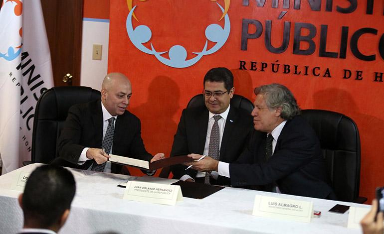 Tanto el gobierno como la MACCIH-OEA buscan combatir de tajo las estructuras de corrupción en el país.