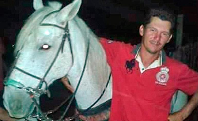 Figueiredo murió trágicamente en un accidente de moto el día de Año Nuevo.