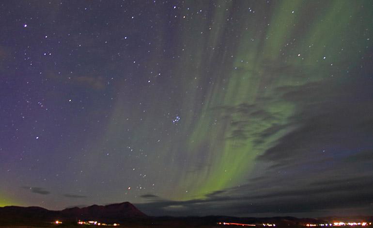 Consejo, la mejor forma de ver una aurora boreal, es aprovechar la máxima oscuridad en lugares donde el cielo esté claro y despejado.Foto:Diego Alonso
