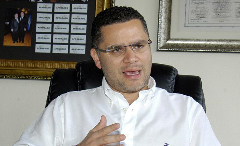 David Chávez.