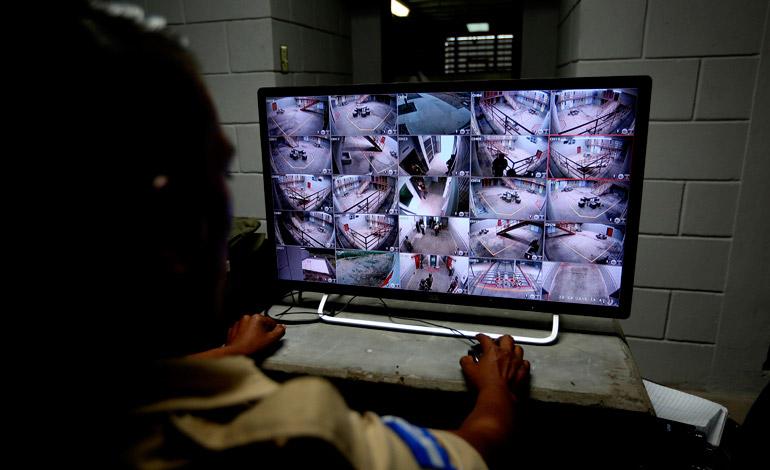 La seguridad en la cárcel de Ilama es tan efectiva que se puede observar con certeza qué hace cada persona.