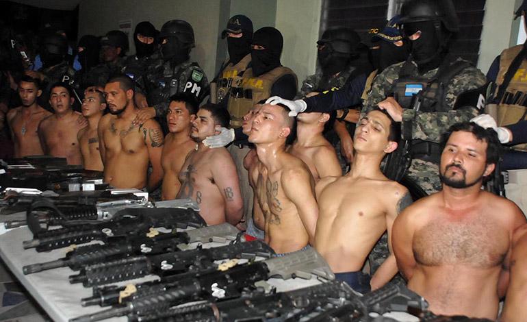 El resto de los los pandilleros también compareció a la audiencia inicial.