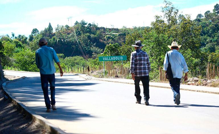El tramo carretero entre este municipio y su vecino Cololoca también fue pavimentado con fondos nacionales.