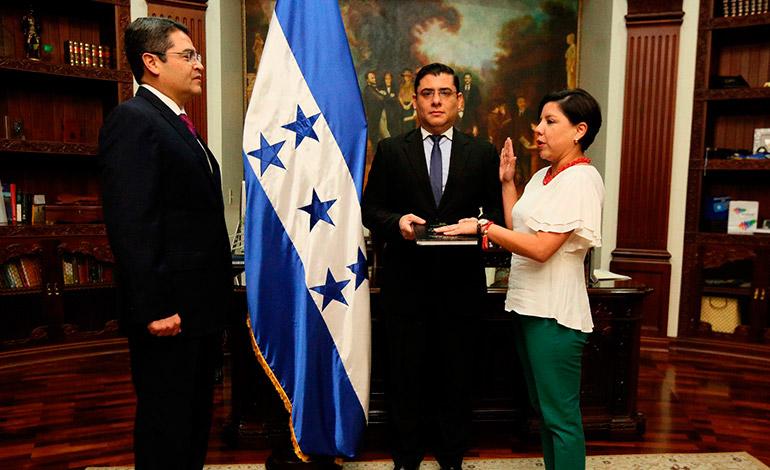 La nueva ministra de Estrategia y Comunicación es Christa Castro, quien se venía desempeñando como delegada presidencial para el Cambio Climático.