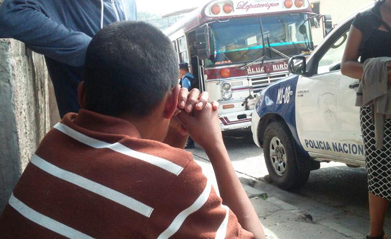 Frente al niño de 10 años de edad mataron al comerciante y agricultor.