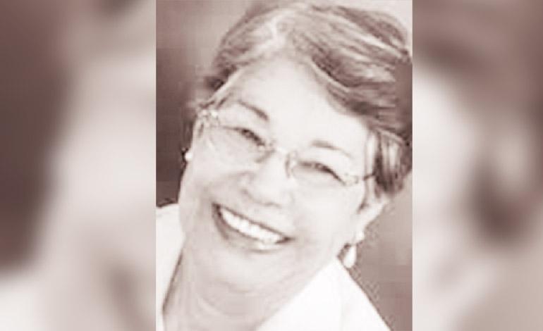 Irma Lucrecia Acosta de Fortín primera Ingeniera Civil de Honduras. (1950)