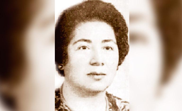 Graduada en Guatemala Argentina Díaz Lozano. Primera Periodista profesional de Honduras.
