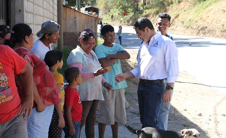 Los pobladores de la zona han tenido la oportunidad de insertarse laboralmente gracias a los proyectos viales.