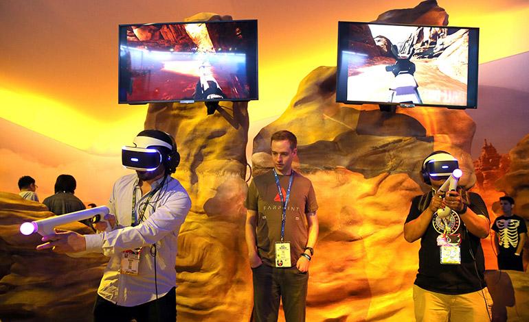 La realidad virtual no se limita a la industria del entretenimiento y se está expandiendo con rapidez a otros sectores.Espectadores observan un juego de béisbol a través de gafas de realidad virtual en Suwon, al sur de Seúl (Corea del Sur)  EFE/YONHAP/PROHIBIDO SU USO EN COREA DEL SUR