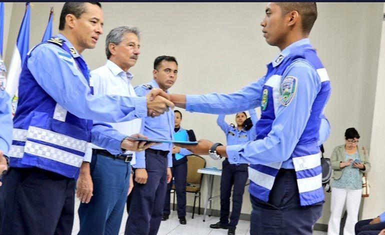 Dirección de Vialidad capacita a casi un centenar de policías