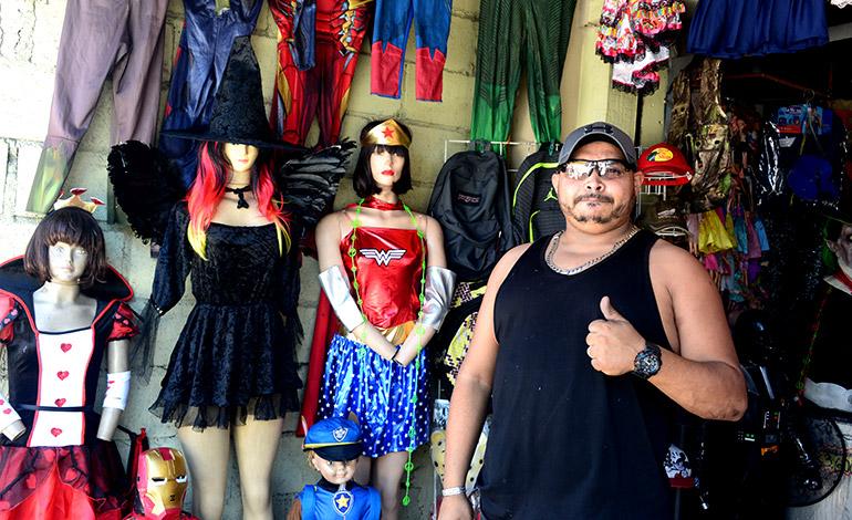Baratos Venden Disfraces Para Halloween En La Capital La Tribuna