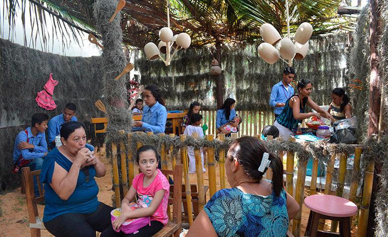 1,300 escolares beneficiados con última remesa de alimentos