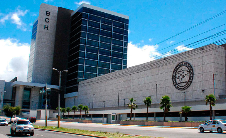 BCH: Prevalece solidez de la banca en cierre del año