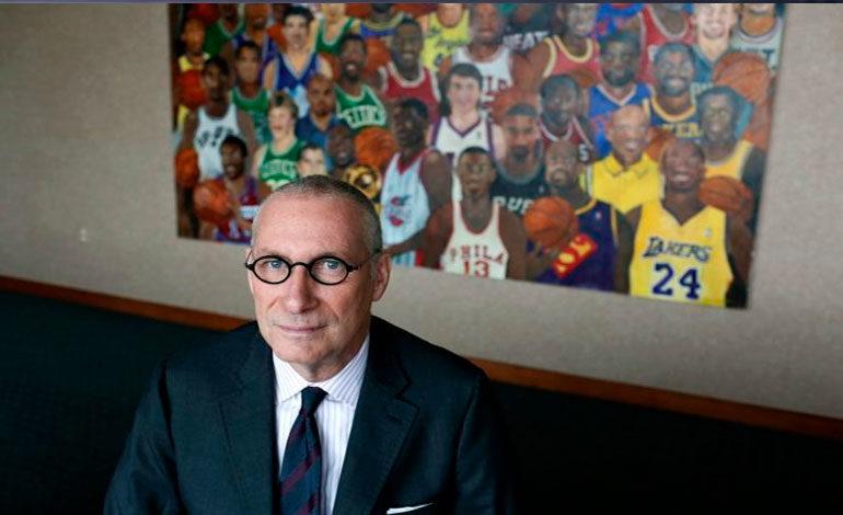 """Presidente de ESPN renuncia al citar """"adicción a sustancias"""""""