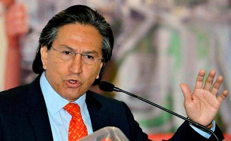 Expresidente: Democracia en Perú está en peligro