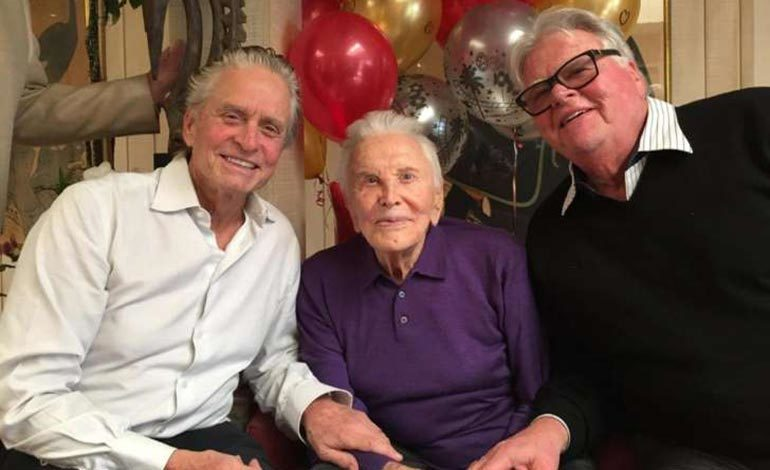 Kirk Douglas cumple 101 años
