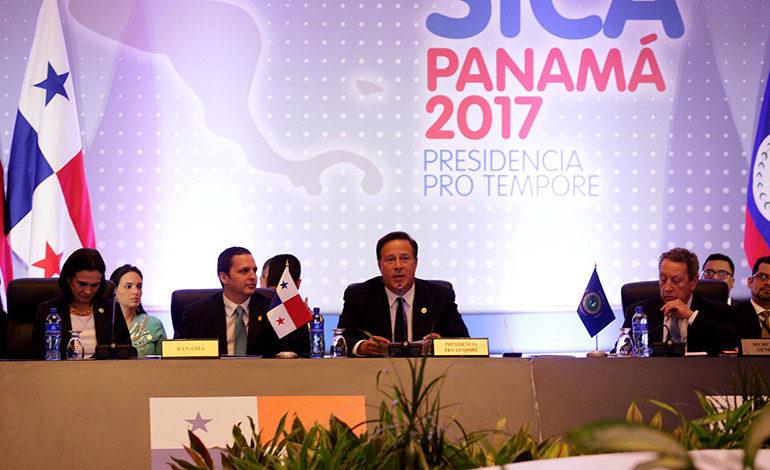 Presidente de Panamá pide respetar los resultados del TSE en reunión del SICA