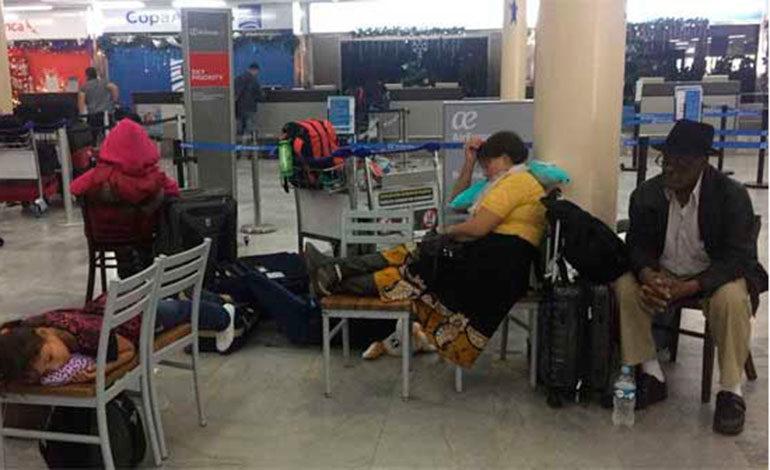 Incertidumbre en aeropuerto Villeda Morales por tomas de calles