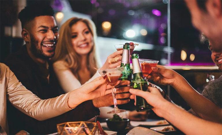 Los cuatro tips indispensables si vas al bar con tus amigos