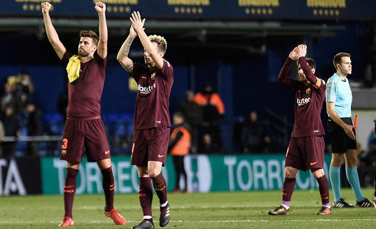 Suárez y Messi dan triunfo al Barcelona, que mantiene a raya a sus perseguidores