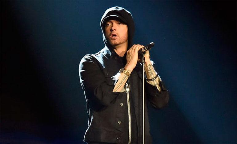 """Eminem hace su apuesta más política con """"Revival"""""""