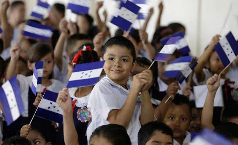 Honduras clausura año escolar superando 200 días de clases