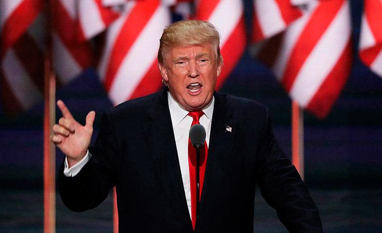 """Trump llama """"héroe"""" al autor del polémico informe republicano de trama rusa"""