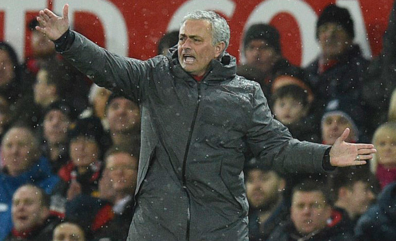 Mourinho dice que los rumores sobre la posible salida de Pogba son mentira