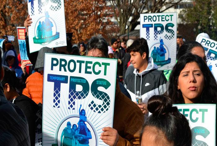 El Salvador pide a Honduras y Haití luchar juntos por una alternativa al TPS