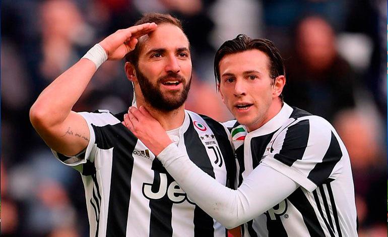 Higuaín marca triplete en goleada de la Juventus