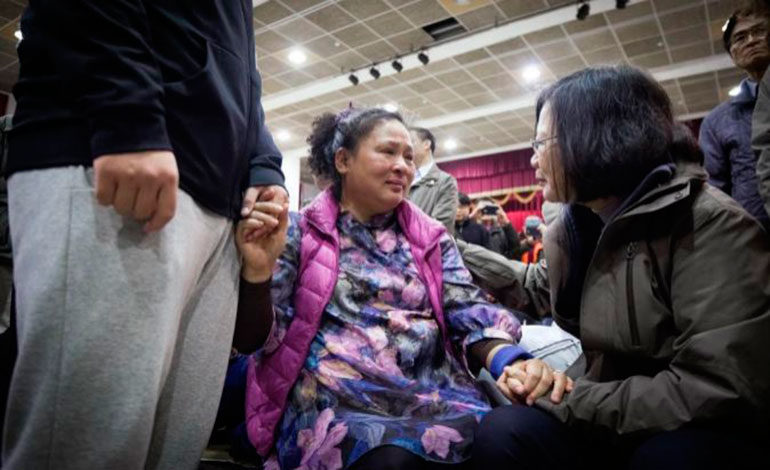 Accidente de autobús deja 19 muertos y 40 heridos en Hong Kong