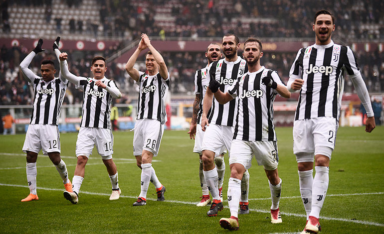 Juventus gana el derbi de Turín pero Higuaín se lesiona