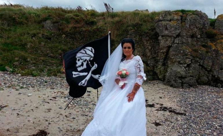 Mujer afirma estar casada con el espíritu de un pirata fantasma