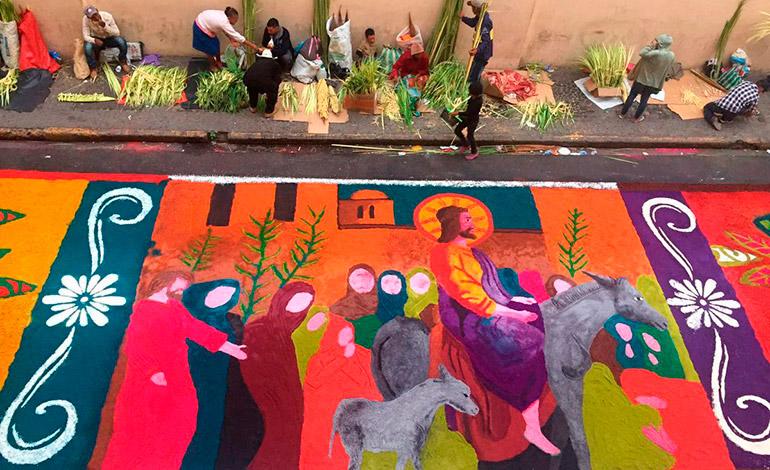 Como todos los años, las alfombras de aserrín le darán colorido a las actividades religiosas.
