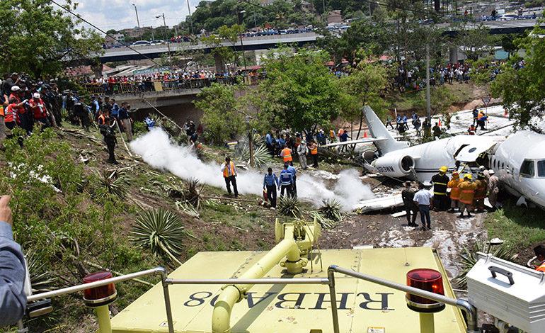 Día después del accidente, un muro piden vecinos de La Trinidad