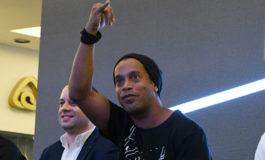 Ronaldinho desmiente una boda con dos mujeres: Mentira tremenda
