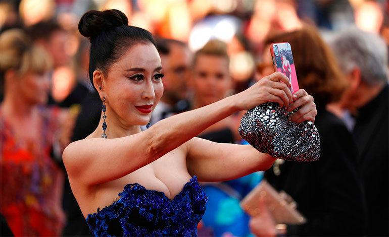 Infringen prohibición de selfies en la alfombra roja del Festival de Cannes