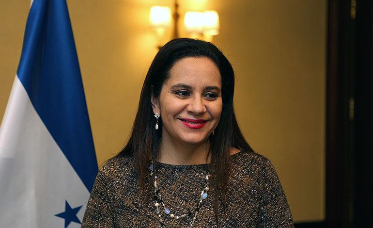 Anuncia Primera Dama: Gobierno renovará convenio con abogados para asesorar a tepesianos