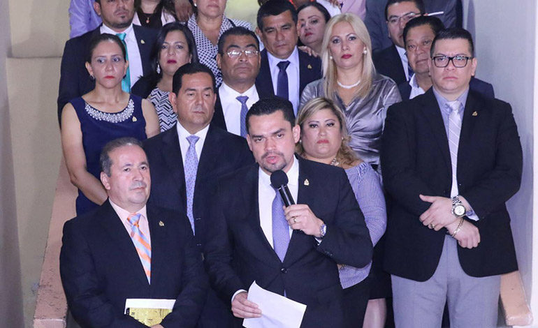 Diputados Zambrano y Villeda a audiencia por caso de fe de erratas