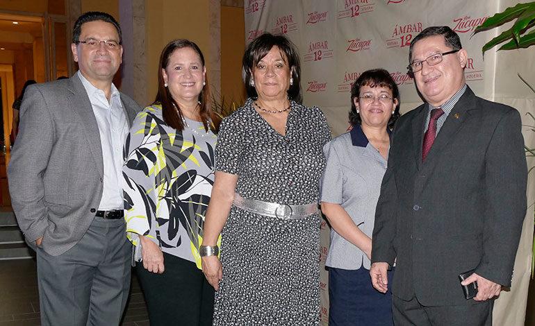 Fernando Ceballos, Claudia Ceballos, Julia Guzmán, Ana Morales y Melvin Valdez.