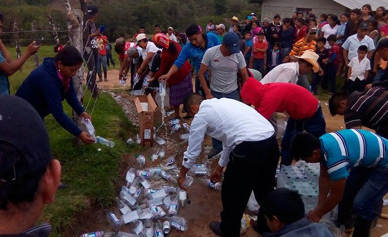 Queman pulpería en protesta por venta de alcohol en Intibucá