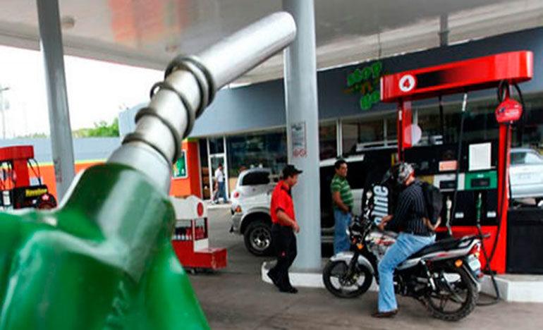 """CCIC: """"Combustibles bajarán las próximas semanas"""""""
