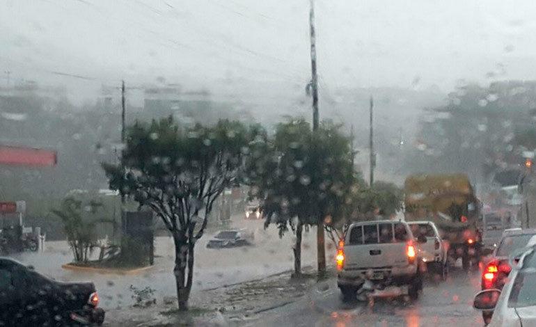 Lluvias para esta tarde por ingreso de vaguada (Video)
