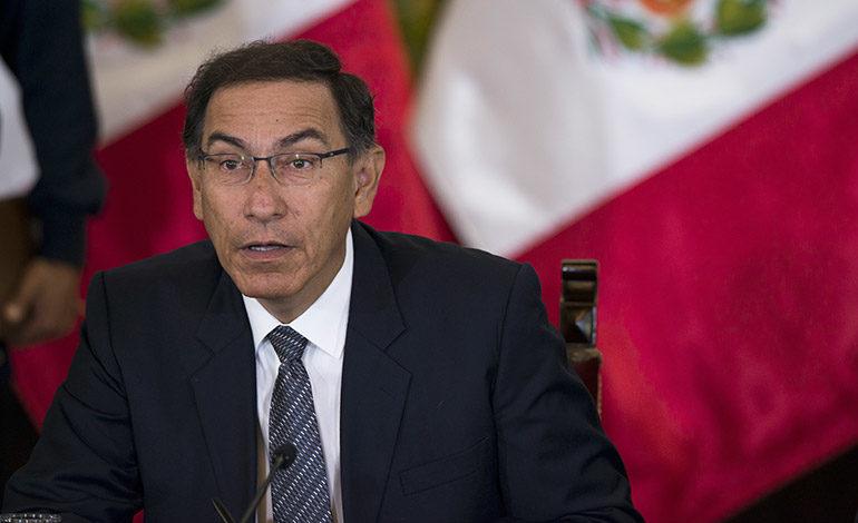 Desaprobación a presidente de Perú duplica en un mes y supera a aprobación