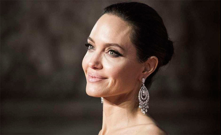 Ex de Angelina Jolie habla del verdadero rostro de la actriz