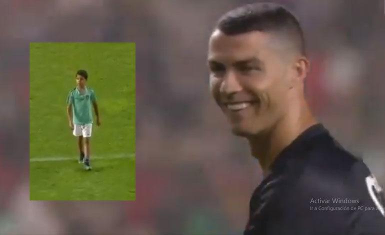 Cristiano y su hijo deleitan en Portugal