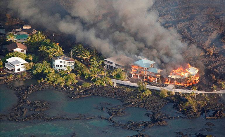 Así 'se traga' la lava vecindarios enteros de la Isla Grande de Hawái (VIDEOS)