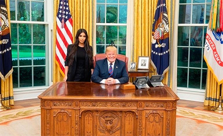 Por pedido de Kim Kardashian, Trump indultó a una condenada a cadena perpetua